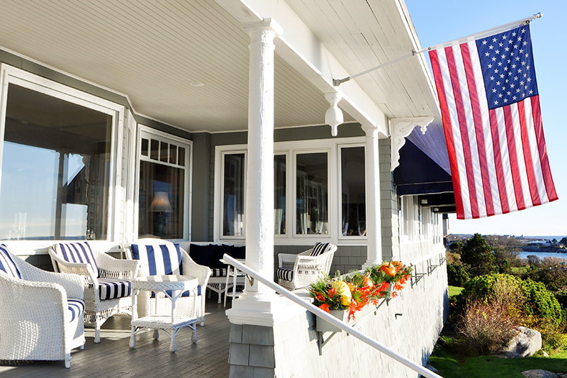 Cape-Arundel-Inn-&-Resort-Porch